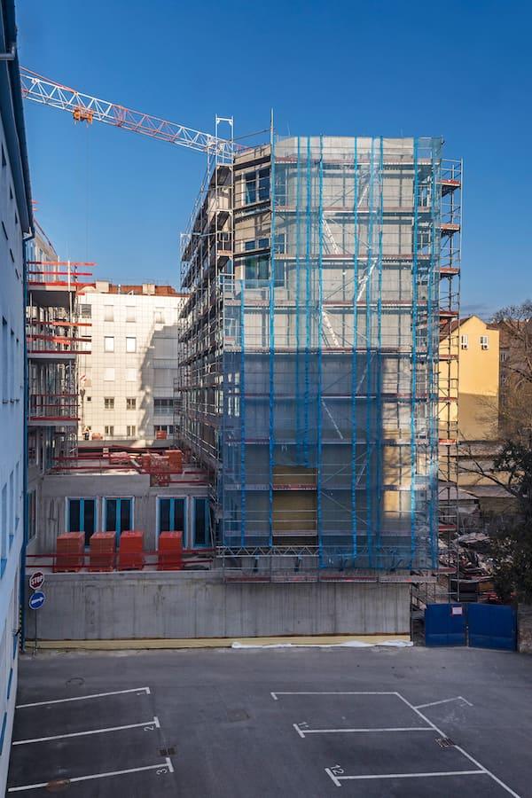 hrubá stavba Zochova - zadný pohľad