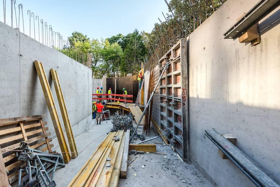 výstavba rampy do podzemných garáží