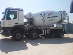 mercedes-benz - autodomiešavač na dovoz betónu na prenájom
