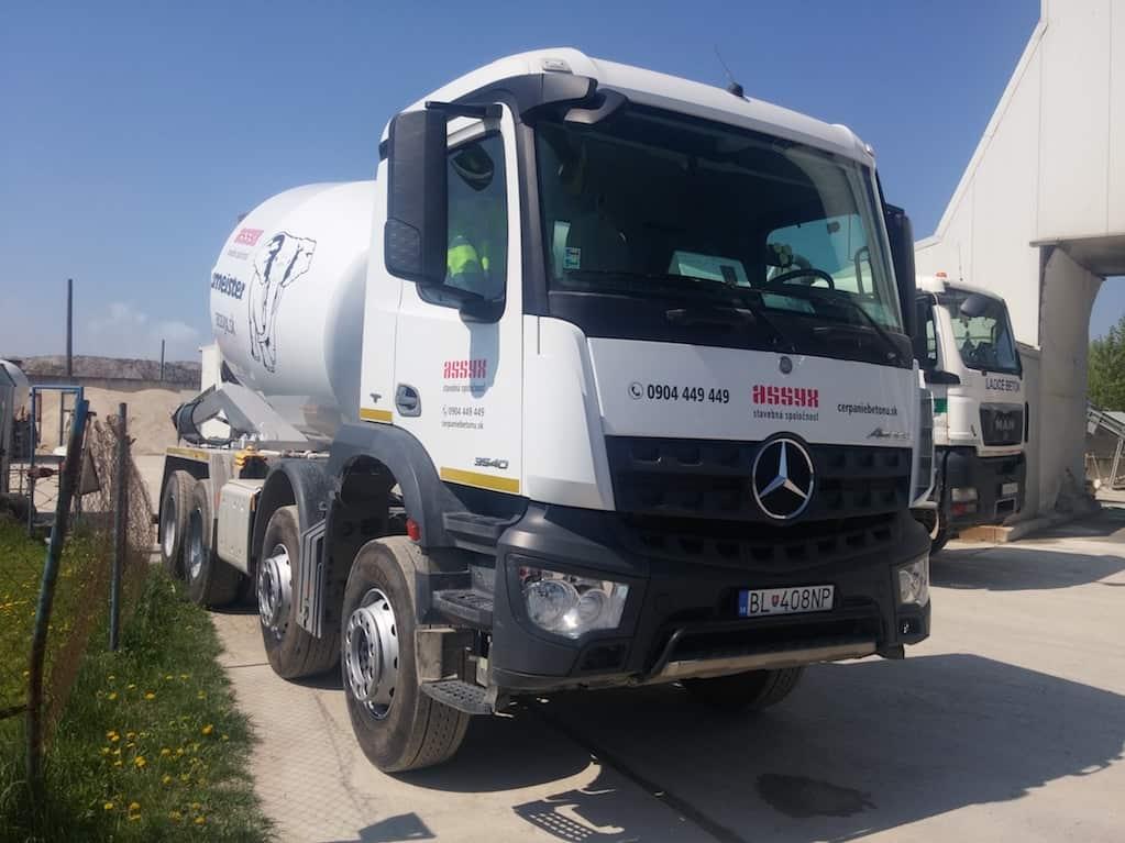prenájom autodomiešavača na dovoz betónu - mercedes-benz